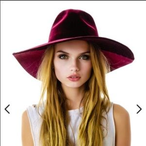 UNIF Lore Hat